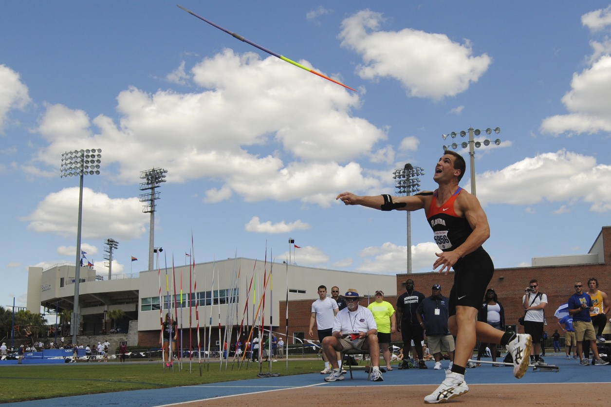Sophomore Stipe Zunic wins the Javelin Throw with a 73.38 m.