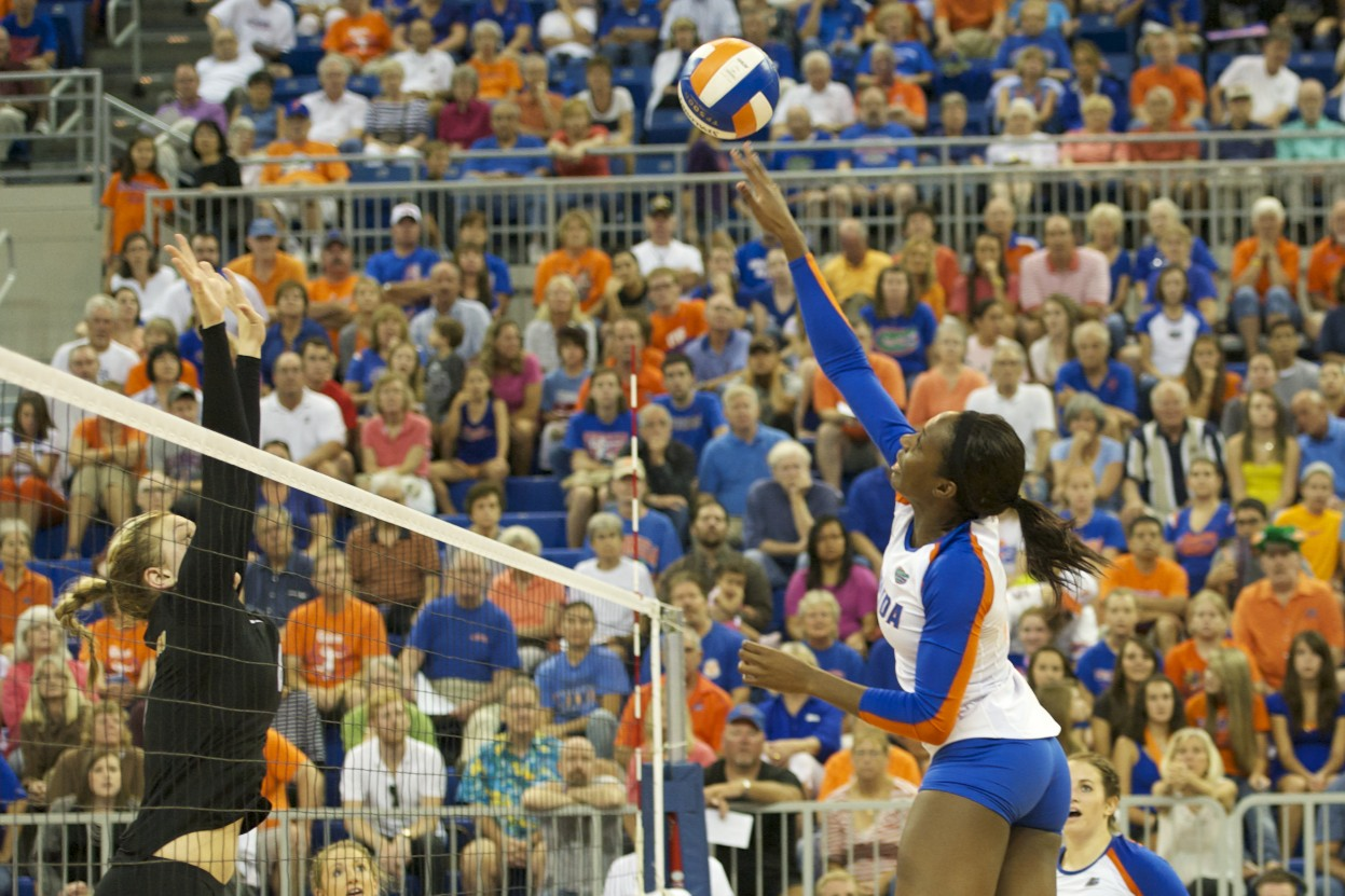 Chloe Mann is overset in the third set and loses the point for the Florida Gators Friday evening.