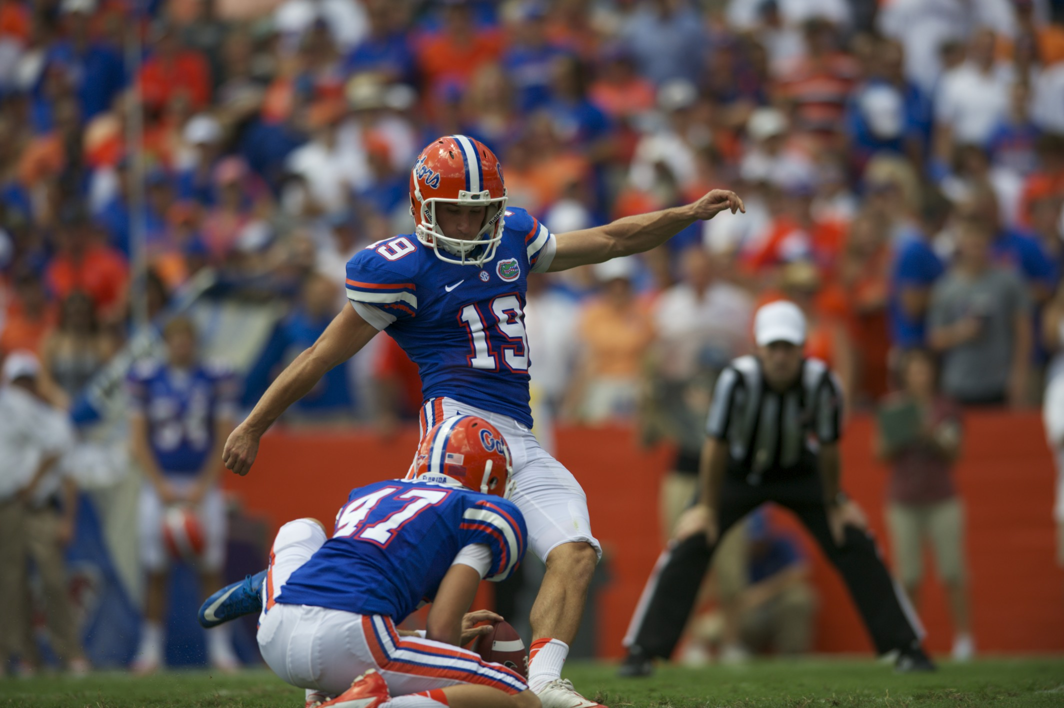Kicker Caleb Sturgis scores a 27-yard field goal in the first half to put the Gators on the board.