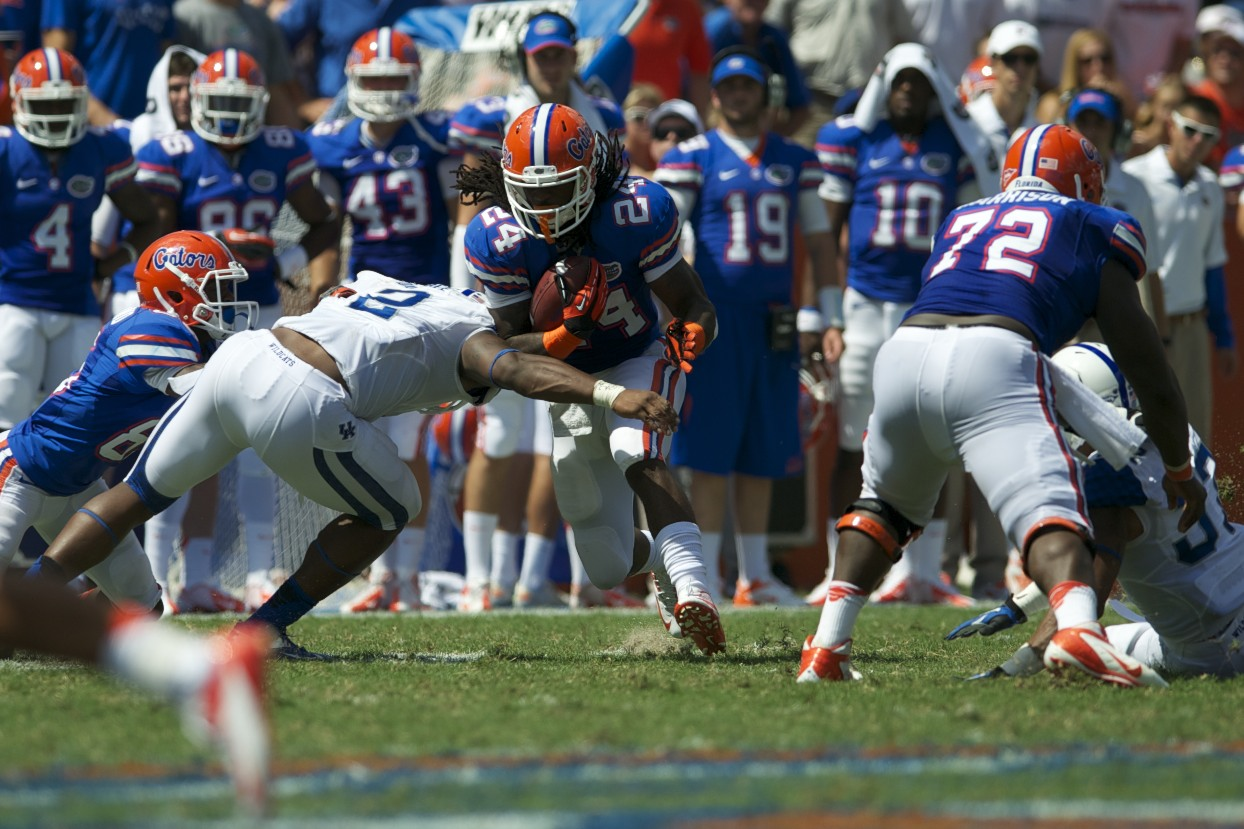 Matt Jones gets a first down for the Florida Gators in the fourth quarter.