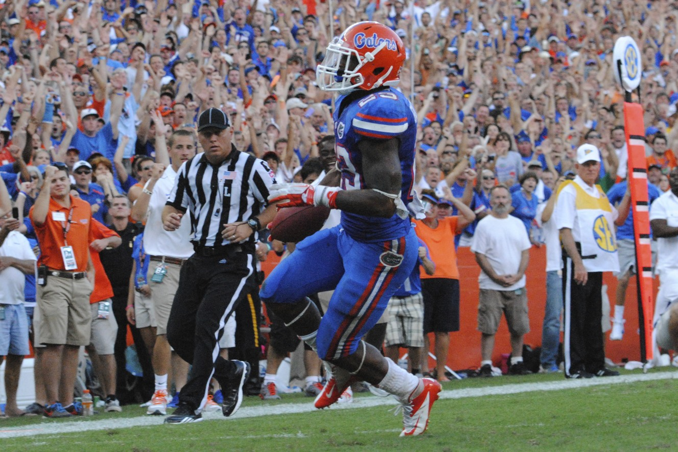 Mike Gillislee scores the second touchdown for the Gators in the second half against the LSu tigers.