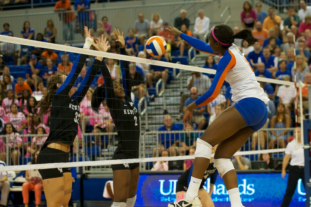 Chloe Mann gets the winning kill for the Gators win over Kentucky in a 5-set match on Sunday.