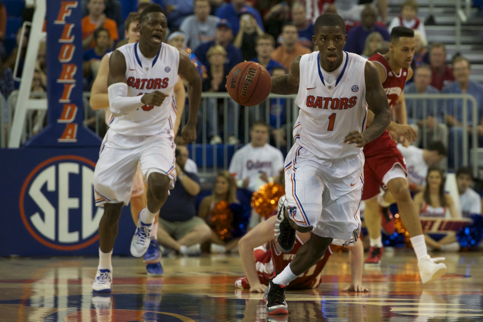 Kenny Boynton (1) comes down the court to score for Florida Wednesday night.