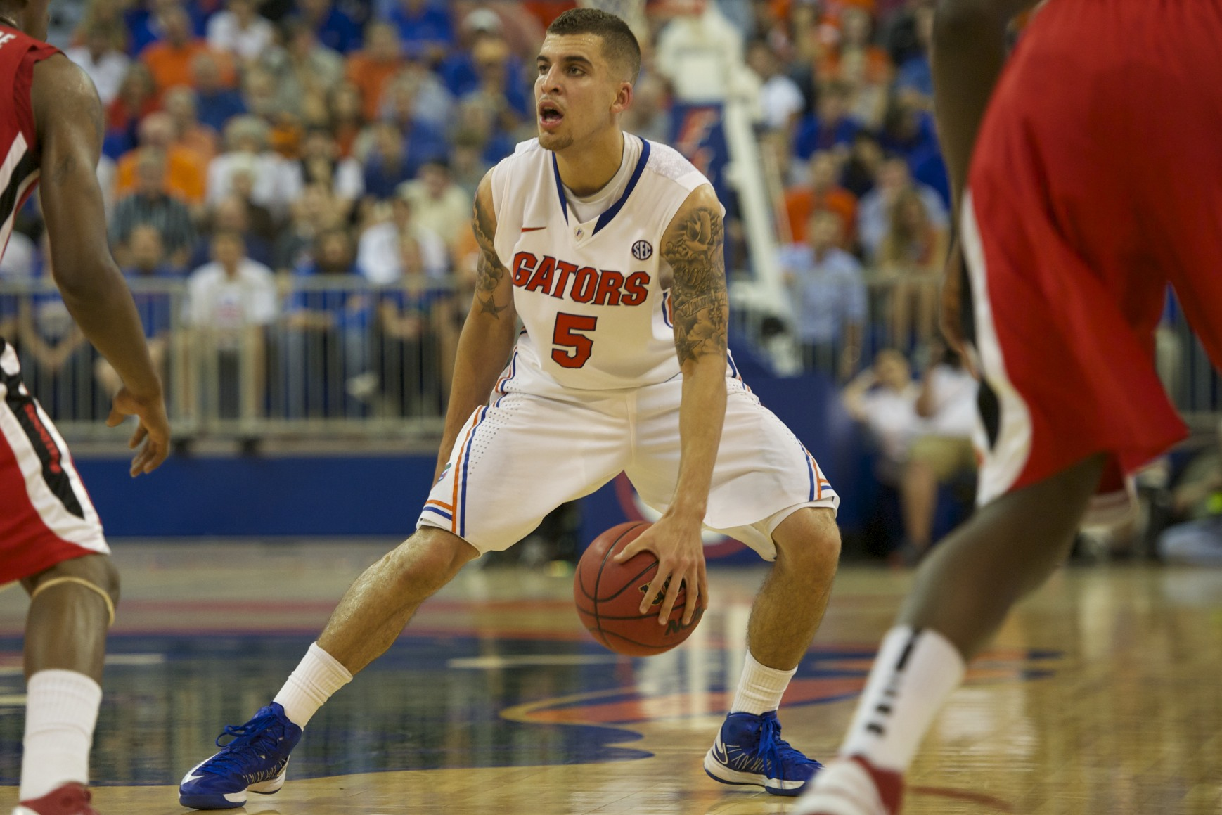 Scottie Wilbekin (5) had eight points for the Gators Wednesday night.