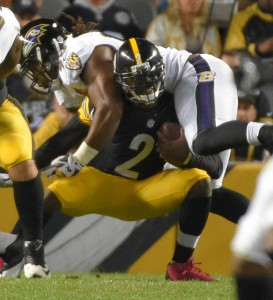 Pittsburgh, PA -- 10/01/2015 -- during the first quarter of the Ravens game against the Steelers at Heinz Field in Pittsburgh. Karl Merton Ferron/Baltimore Sun (frame#DSC_0717.JPG; FBN RAVENS STEELERS)