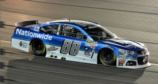 Dale Earnhardt Jr. races to victory at the Quicken Loans Race for Heroes 500