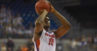 Florida's John Egbunu (15) was 4-4 from the line in the final minute of the game, playing a key role in helping the Gators secure their victory over the Bulldogs. (Greenberry Taylor/WUFT News)
