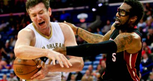 Mar 22, 2016; New Orleans, LA, USA; Miami Heat forward Amar'e Stoudemire (5) fights for possession with New Orleans Pelicans center Omer Asik (3) during the third quarter of a game at the Smoothie King Center. The Heat defeated the Pelicans 113-99. Mandatory Credit: Derick E. Hingle-USA TODAY Sports