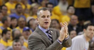 May 26, 2016; Oakland, CA, USA; Oklahoma City Thunder head coach Billy Donovan reacts after being called for a technical foul against the Golden State Warriors in the fourth quarter in game five of the Western conference finals of the NBA Playoffs at Oracle Arena. The Warriors defeated the Thunder 120-111. Mandatory Credit: Cary Edmondson-USA TODAY Sports