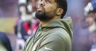 Nov 23, 2014; Houston, TX, USA; Houston Texans running back Arian Foster (23) on the sideline during the third quarter against the Cincinnati Bengals at NRG Stadium. The Bengals defeated the Texans 22-13. Mandatory Credit: Troy Taormina-USA TODAY Sports