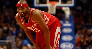 Dec 23, 2015; Orlando, FL, USA; Houston Rockets guard Corey Brewer (33) against the Orlando Magic during the first quarter at Amway Center. Mandatory Credit: Kim Klement-USA TODAY Sports