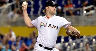 Aug 23, 2016; Miami, FL, USA; Miami Marlins starting pitcher Andrew Cashner (48) throws a pitch during the first inning against the Kansas City Royals at Marlins Park. Mandatory Credit: Steve Mitchell-USA TODAY Sports
