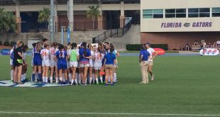 The Florida soccer team huddles before the start of the second half in their match against Tennessee on Sep. 25, 2016