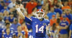 Sep 3, 2016; Gainesville, FL, USA;  Florida Gators quarterback Luke Del Rio (14) throws a pass during the second half of a football game against the Massachusetts Minutemen at Ben Hill Griffin Stadium. The Gators won 24-7. Mandatory Credit: Reinhold Matay-USA TODAY Sports