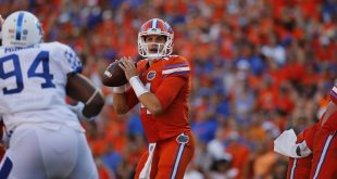 Sep 10, 2016; Gainesville, FL, USA; Florida Gators quarterback Luke Del Rio (14) drops back against the Kentucky Wildcats during the second half at Ben Hill Griffin Stadium. Florida Gators defeated the Kentucky Wildcats 45-7. Mandatory Credit: Kim Klement-USA TODAY Sports
