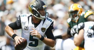 Sep 11, 2016; Jacksonville, FL, USA; Jacksonville Jaguars quarterback Blake Bortles (5) looks to throw the ball in the first quarter against the Green Bay Packers at EverBank Field. Mandatory Credit: Logan Bowles-USA TODAY Sports