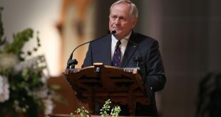 Oct 4, 2016; Latrobe, PA, USA; Jack Nicklaus speaks during the Arnold Palmer memorial service at St. Vincent's College Basilica. Mandatory Credit: Brian Spurlock-USA TODAY NETWORK