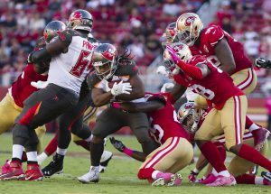 Oct 23, 2016; Santa Clara, CA, USA; Tampa Bay Buccaneers running back Jacquizz Rodgers (32) carries the ball against the San Francisco 49ers during the fourth quarter at Levi's Stadium. The Tampa Bay Buccaneers defeated the San Francisco 49ers 34-17. Mandatory Credit: Kelley L Cox-USA TODAY Sports