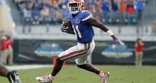 Oct 29, 2016; Jacksonville, FL, USA; Florida Gators wide receiver Antonio Callaway (81) runs with the ball against the Georgia Bulldogs during the second half at EverBank Field. Florida Gators defeated the Georgia Bulldogs 24-10. Mandatory Credit: Kim Klement-USA TODAY Sports