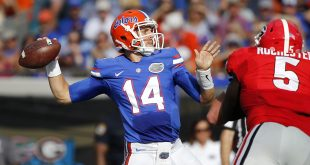 Oct 29, 2016; Jacksonville, FL, USA; Florida Gators quarterback Luke Del Rio (14) throws the ball against the Georgia Bulldogs during the first half at EverBank Field. Mandatory Credit: Kim Klement-USA TODAY Sports
