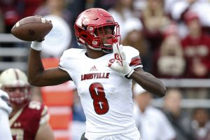 Louisville Cardinals quarterback Lamar Jackson ---Greg M. Cooper-USA TODAY