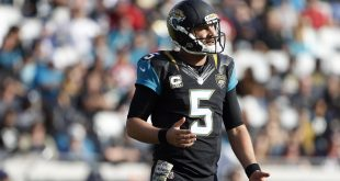 Nov 13, 2016; Jacksonville, FL, USA; Jacksonville Jaguars quarterback Blake Bortles (5) reacts after a play in the second half agains the Houston Texans at EverBank Field. Houston Texans won 24-21.  Mandatory Credit: Logan Bowles-USA TODAY Sports