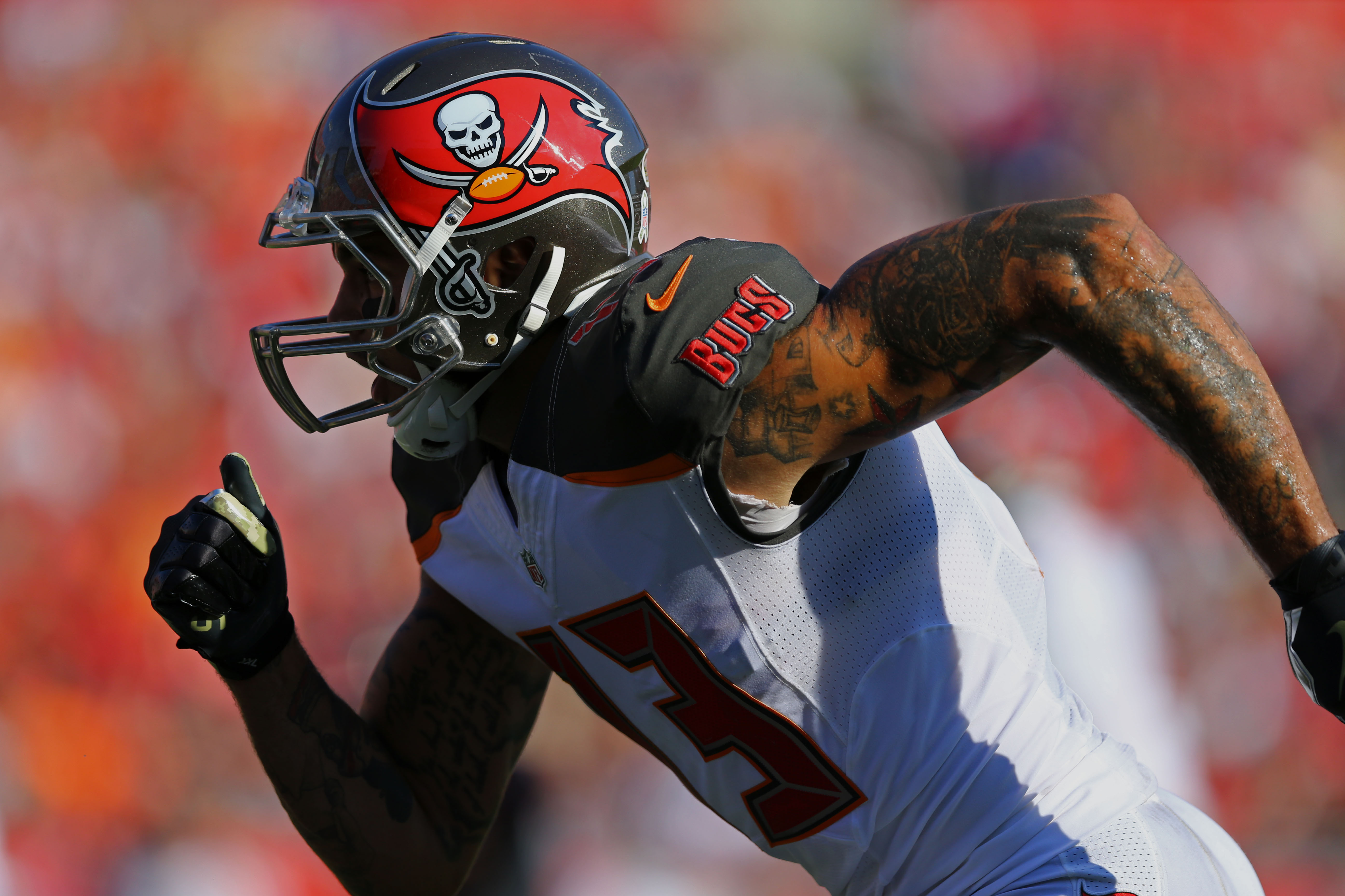 Nov 13, 2016; Tampa, FL, USA; Tampa Bay Buccaneers wide receiver Mike Evans (13) against the Chicago Bears at Raymond James Stadium. The Buccaneers won 36-10. Mandatory Credit: Aaron Doster-USA TODAY Sports