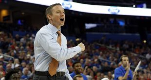 Nov 21, 2016; Tampa, FL, USA; Florida Gators head coach Mike White pumps his fist against the Belmont Bruins during the first half at Amalie Arena. Mandatory Credit: Kim Klement-USA TODAY Sports