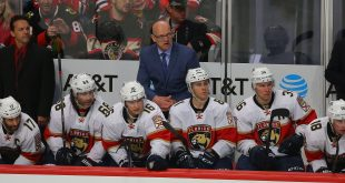 Nov 29, 2016; Chicago, IL, USA; Florida Panthers head coach Tom Rowe behind the bench during the third period against the Chicago Blackhawks at the United Center. Mandatory Credit: Dennis Wierzbicki-USA TODAY Sports