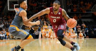 Jan 11, 2017; Knoxville, TN, USA; South Carolina Gamecocks guard Sindarius Thornwell (0) moves the ball against Tennessee Volunteers forward Grant Williams (2) during the second half at Thompson-Boling Arena. South Carolina won 70 to 60. Mandatory Credit: Randy Sartin-USA TODAY Sports