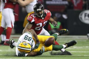 Keanu Neal makes the tackle on Jared Cook in NFC championship