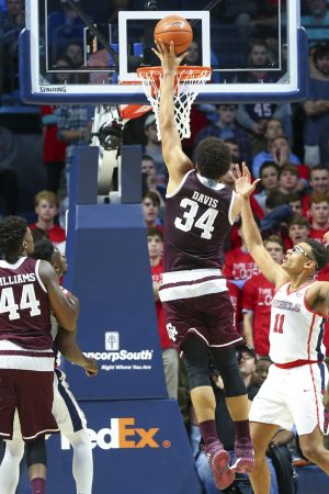 Mandatory Credit: Spruce Derden-USA TODAY Sports