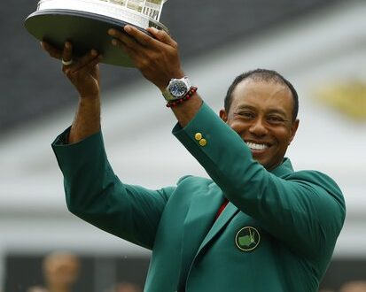 8dead2f9756f4 Tiger Woods completes both his Masters comeback and career comeback