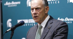 Mark Dantonio resigns from position as Michigan State head coach.