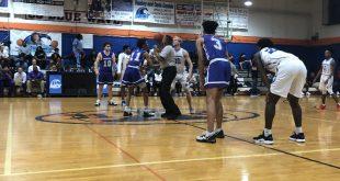 basketball teams go for jump ball
