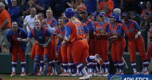 Gators team cheers on Lindaman