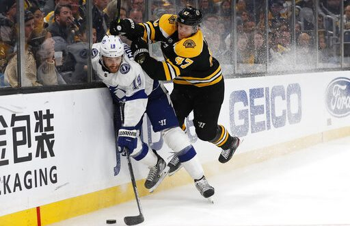 Tampa Bay Lightning Fall Against Boston Bruins In Game 1 Of Playoff Series Espn 98 1 Fm 850 Am Wruf