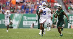 Florida Gators quarterback Anthony Richardson runs down the field
