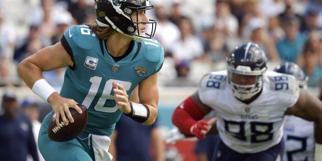Jaguars quarterback Trevor Lawrence in the pocket