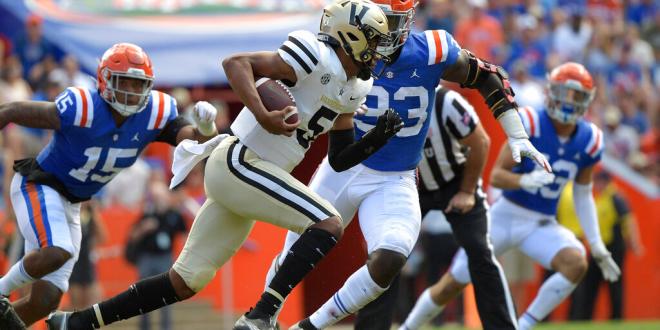 Gator defense puts pressure on Vanderbilt